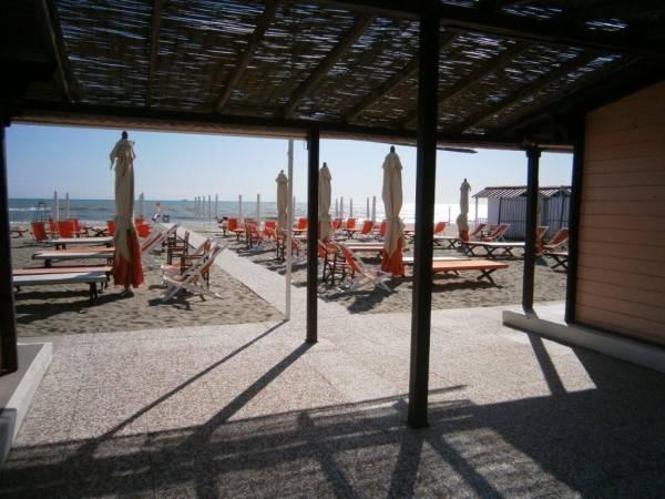 vendita stabilimento balneare a Marina di Massa